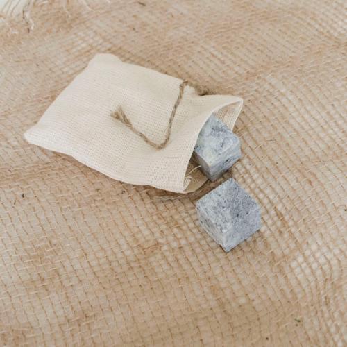 Набор подарочный Камни для виски в мешочке, 2 штуки, 2,5х2,5 см